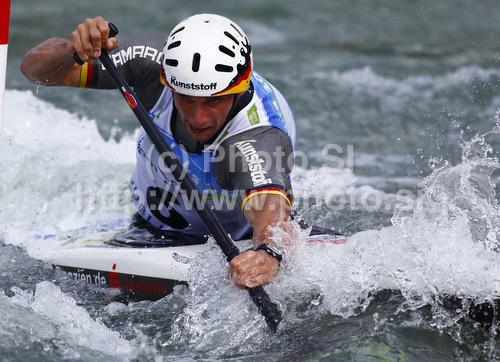 IMAGE: http://www.photo.si/img/sport/spo_kayak_20100912nw_03784.jpg